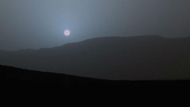 Taki piękny zachód Słońca na Marsie