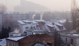 Polska od rana oddycha smogiem. Najwięcej pyłów nad Mazowszem