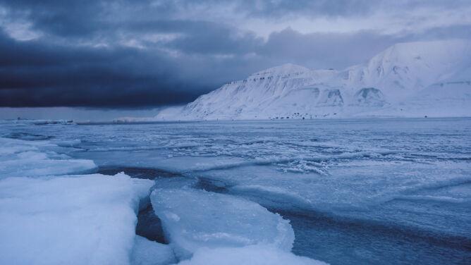 Na Svalbardzie zeszła lawina. Zginęły dwie osoby