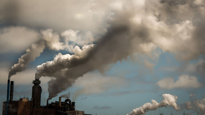 Powietrze w Polsce kiedyś i dziś - czy naprawdę w przeszłości oddychało się lżej?